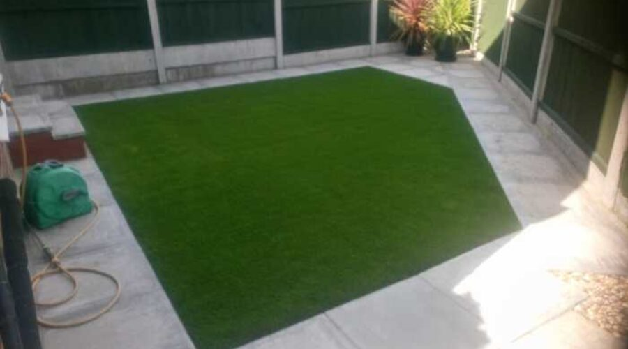 Artificial-Grass-Liverpool-Kensington-Install-Waterloo5